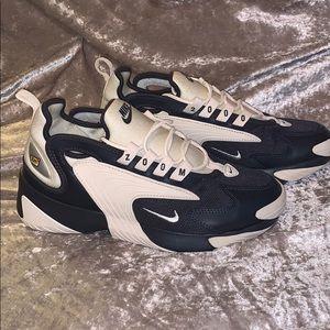 𝙲𝚄𝚃𝙴 💓🖤 Black & Cream Nike Zoom 2k